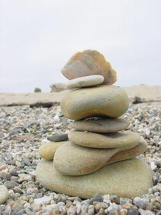 Rock | Pebble | Stone | 岩 | 石 | Pierre | камень | Pietra | Piedra | Color | Texture | Pattern | Stone cairn
