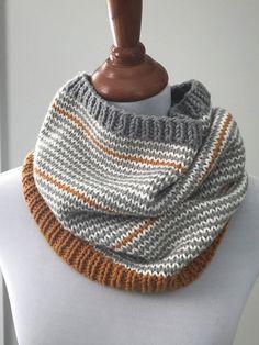 New Knitting Patterns - Cappuccino Cowl Knit Pattern knitting for beginners knitting ideas knitting patterns knitting projects knitting sweater Knitting Blogs, Knitting For Beginners, Loom Knitting, Free Knitting, Knitting Projects, Start Knitting, Snood Knitting Pattern, Finger Knitting, Knitting Tutorials