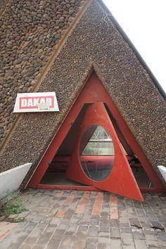 // rad. triangular red door