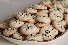 Persian Rice Cookies (Naan Berenji) Recipe