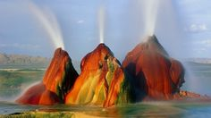 Vyprahlou poušť svlažuje neobvyklý gejzír