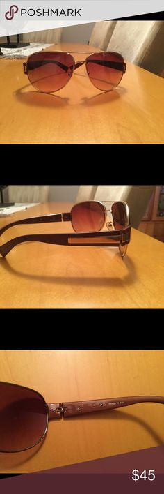 Vintage aviator sunglasses design in Italy . In perfect condition no scratches on lenses design in Italy  vintage UV protection aviator sunglasses brown with gold hardware Design in Italy Accessories Sunglasses