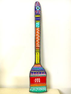 Worli Painting, Mirror Painting, Wooden Spoon Crafts, Painted Spoons, Paint Keys, Kitchen Spatula, Dare Questions, Spoon Art, Pottery Painting Designs