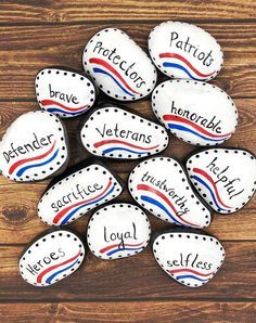 Veterans Day Painted Rocks Set Attributes of Veterans Set of Veterans Day Celebration, Veterans Day Gifts, Hand Painted Rocks, Painted Stones, Projects For Kids, Crafts For Kids, Diy Projects, Veterans Day Coloring Page, Veterans Day Activities