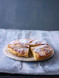 Pithivier | Paul Hollywood - An easy to make tart and a favourite with the family for afternoon tea/coffee.