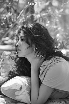 Song Hye Kyo poses for pictorials with Vogue Korea and talks about her life and her wishes. Korean Actresses, Korean Actors, Actors & Actresses, Korean Beauty, Asian Beauty, Songsong Couple, Yoo Ah In, Vogue Korea, Song Joong Ki
