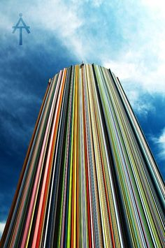 La Cheminée de Moretti - La Défense - Paris. A modern work of art, made by Raymond Moretti, 32 meters high and consisting of hundreds of colored tubes.Paris.