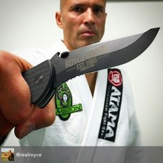 """UFC Legend Royce Gracie carries an Emerson Super Commander. Show us your commander - take a pic and tag us!  #EKCommander. """"The Super Commander is a larger version of our baseline Commander knife. It has a total size of  9.5 in length.  It features our Patented """"wave shaped opening feature"""" or Remote Pocket Opener. In an emergency or injury situation the knife can be opened with one hand as it is drawn from the pocket."""" Link in bio for more Commander Knives.#emersonknives #everydaycarry…"""