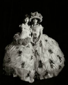 Madeline and Marion Fairbanks, 1923