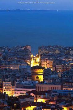 Beautiful Islands, Beautiful Places, Greece Tours, Santorini Greece, Thessaloniki, Travel Aesthetic, Macedonia, Greek Islands, Travel Around The World