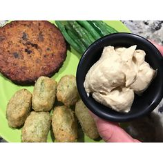 My goal of eating more earlier in the day...it's getting there. #bliftsfdoe #fdoe #fav - Meal 5: @greengiant broccoli veggie tots with a @morningstarfarms pizza veggie burger, green beans and @cedarsfoods hummus