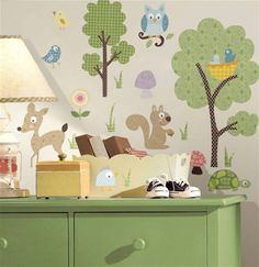 Decoratie stickers: babykamer decoratie idee grote muurstickers Dieren in het bos. Meubel decoratiestickers kinderkamer decoratie tip muurklevers