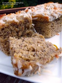 Coconut Mango Banana Bread Recipe ~ Says: this is banana bread at its best. It's soft, super moist, super fruity, super tropical, super delicious... It's a refreshing change!