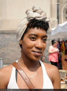 To try for summer 2012: the knotted headwrap. Yet another use for a great scarf :)