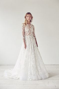 Sophisticated shapes and bold drama from the Suzanne Harward Illuminati Collection 2017 for Australian brides. Modest Wedding Dresses, Cheap Wedding Dress, Bridal Dresses, Lace Wedding, Dream Wedding, Romantic Dresses, Illuminati, Suzanne Harward, Wedding Hair Inspiration