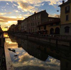 Tramonto sul naviglio Foto di Silvia Pessina #milanodavedere Milano da Vedere
