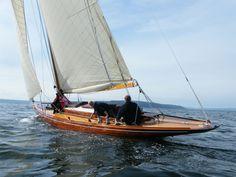 dilong drachen mit gaffelrigg patricia lascabannes segeln pinterest sailboat und river. Black Bedroom Furniture Sets. Home Design Ideas