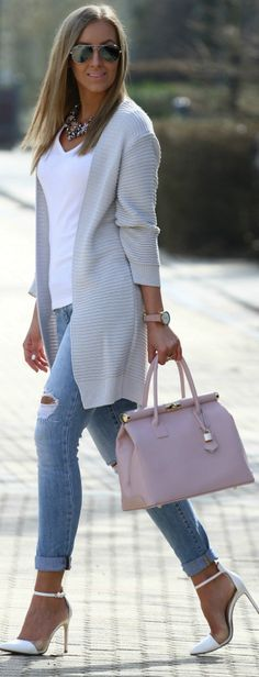 Cute and stylish outfit for a day of meetings or a brunch date. I love layering white and this outfit makes it look so easy. Fashion Mode, 50 Fashion, Look Fashion, Street Fashion, Trendy Fashion, Autumn Fashion, Womens Fashion, Fashion Clothes, Fashion Heels