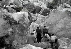 Castelló en el NO-DO: Vinaroz. 4600 kilos de dinamita hacen volar 60000 toneladas de escollera para el puerto. 1946