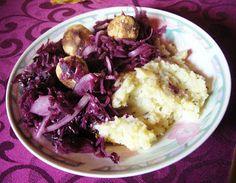 Lila-Launeessen: Falaffel mit Kartoffelstampf und Rotkohl bei Anna.  http://ultimatechaos-nikushimi.blogspot.de/2012/11/vegan-wednesday.html
