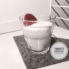 The Little Village: Herkuttelijan kynttilä: Maitoa ja keksiä, ole hyvä!