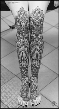 20 Stupendous Leg Sleeve Tattoos : After all, there is more room in legs than in arms, so leg sleeve tattoos are great for ink lovers seeing things big! Girls With Sleeve Tattoos, Tattoo Girls, Girl Tattoos, Tattoos For Women, Tattoos For Guys, Feather Tattoos, Foot Tattoos, Body Art Tattoos, Small Tattoos