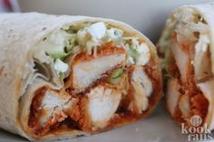 Buffalo Chicken Wraps (makes Buffalo Chicken Wraps are the perfect recipe to make with leftover Homemade Chicken Tenders or Crunchy Ranch Chicken Tenders. I Love Food, Good Food, Yummy Food, Jai Faim, Buffalo Chicken Wraps, Chicken Wrap Recipes, Food Porn, Wrap Sandwiches, Food For Thought