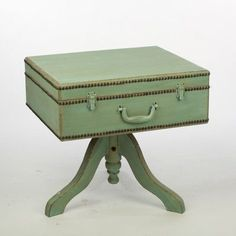 Features: -Unique suitcase table can be used to display a wide variety of items in many different ways while creating character in any space. -With its charming look and opening hinged lid this tabl Furniture Projects, Furniture Making, Furniture Makeover, Diy Furniture, Furniture Online, Suitcase Decor, Suitcase Table, Repurposed Items, Repurposed Furniture