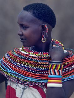 Unlike the Masai, Samburu women do not wear beaded collars, but huge amounts of beaded strings. Most of them are gifts of their young lovers; in fact, sexual relationships between unmarried girls and unmarried warriors (moran) are accepted, even if girls know they can not marry them