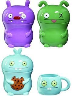 Cartoon cookie jars & coffee mug.