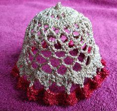 Krásné bydlení: 11 návodů na háčkované zvonky, které jsem sama vyzkoušela na Vánoce Holiday Crochet, Crochet Patterns, Crochet Hats, Yule, Ornaments, Design, Fashion, Crochet Lamp, Jelly Beans