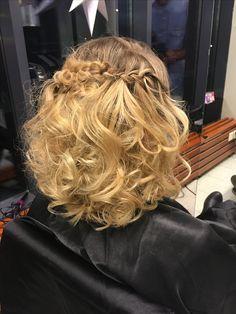 Lettikampaus, blond hair