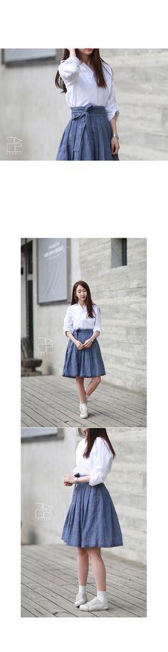 casual hanbok, life style Korean clothes from LEESLE of sonjjang Korean Dress, Korean Outfits, Skirt Fashion, Fashion Outfits, Women's Fashion, Fashion Tips, Modern Hanbok, Traditional Dresses, Korean Traditional
