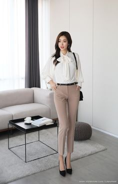 clothes plus size Classy Work Outfits, Office Outfits Women, Business Casual Outfits, Chic Outfits, Fashion Outfits, Office Looks, Korean Blouse, Corporate Attire, Korean Girl Fashion