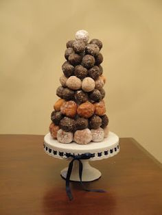 Wildflowers in the Country: Donut hole cake