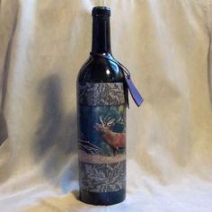 Poľovnícka fľaša Ručiaci jeleň