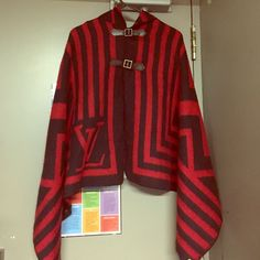 Cape Warm Cape LV only worn twice Jackets & Coats Capes