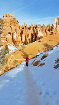 What's it like to winter hike the hoodoos in Bryce Canyon on Queens Garden Trail? Fall Vacations, Pumpkin Recipes, Fall Recipes, Winter Hiking, Winter Travel, Us National Parks, Bryce Canyon, Fall Trends