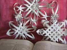 Great tutorial - these might be a little time consuming but well worth it - yellowed book pages, yummy!