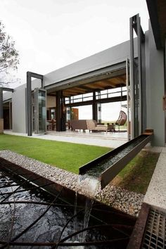 Minimalism in architecture, how to build a pretty luxury home