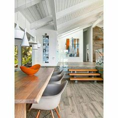 Mid century modern house - Midcentury modern beach house retreat on Pender Island – Mid century modern house Mid Century Modern Dining Room, Mid Century Modern Design, Modern House Design, Modern Interior Design, Interior Architecture, Interior Ideas, Modern Beach Decor, Coastal Interior, Mid Century Modern Houses