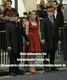 I love Harry Potter Old enough to cross road without holding hands? Harry PotterOld enough to cross road without holding hands? Mundo Harry Potter, Harry Potter Jokes, Harry Potter Cast, Harry Potter Fandom, Harry Potter World, Harry Potter Characters, Ridiculous Harry Potter, The Golden Trio, Jarry Potter