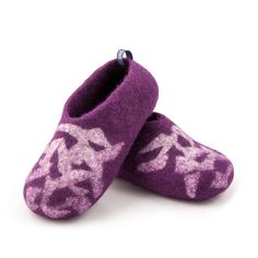 """Slippers for kids purple with white """"bits"""" decoration. Non slip children's slippers. Soft sole kids house shoes, warm and healthy for little feet."""
