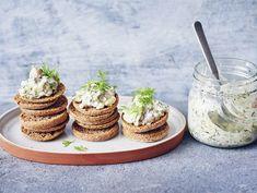 Sillikaviaari | Valio New Year Menu, Table Decorations, Desserts, Recipes, Food, Tailgate Desserts, Deserts, Essen, Postres