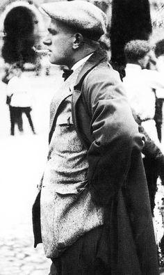Владимир Владимирович Маяковский Vladimir Mayakovsky, Russian Literature, Silver Age, Writer, Poetry, Fictional Characters, Image, Art, Art Background