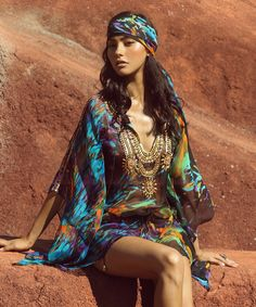 To feel and look fabulous while you are on your holiday vacation one of the key pieces that will sparkle up your look are definitely kaftan...