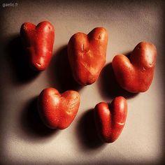 Patates dAmour (Valentine potatoes) #oneyearago #archive 2017-02-14 #SaintValentin #Valentine #Love #paristore #asian #supermarket #HeartPotatoes #ilssontfortscesasiatiques #readymade #art