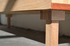 Dressoir van eikenhout met detail van padoek gemaakt door Houtwerff  #Meubelmaker  #Eindhoven  #meubelmakerij #interieur #meubelsinopdracht #dressoir #modern  #DutchDesignWeek #SectieC #DDW16