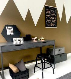 ✔️ Amazing Cool Bedroom Ideas For Teenage Guys Small Rooms 38 Boys Bedroom Decor, Room Ideas Bedroom, Trendy Bedroom, Boys Desk, Teenage Room, Teenage Guys, Teen Girl Bedrooms, Awesome Bedrooms, Small Rooms