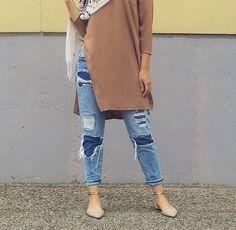 ig: alliieebabee // Hijabi// ripped jeans// long khaki shirt// pointed shoes//sandals//flats